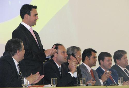 Solenidade marca posse de integrantes da Comissão Especial de Direito Sindical (imagem 1)