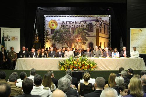 Presidente do TRT é homenageado pela Justiça Militar (imagem 1)