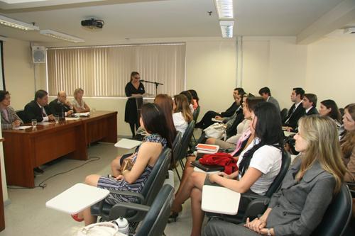 Aula da professora Miracy Gustin abre Curso de Formação de juízes (imagem 1)