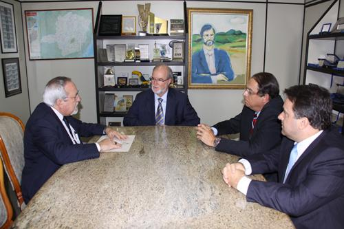 Lobato reúne-se com Eduardo Azeredo (imagem 1)