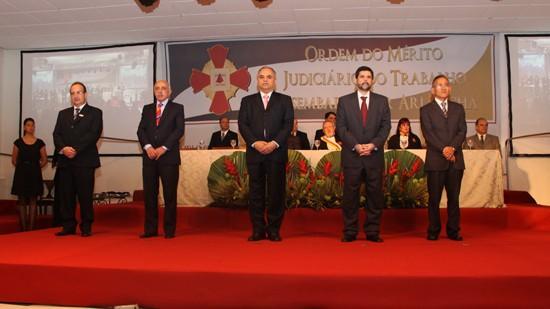 Autoridades, magistrados e servidores prestigiam solenidade da Comenda Ari Rocha (imagem 1)