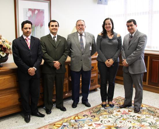 Comissão da OAB de Viçosa visita TRT (imagem 1)