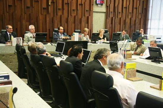 Sindicalistas se comprometem a defender em assembléia a suspensão da greve (imagem 1)