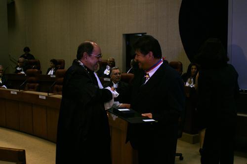 Presidente do TRT recebe Medalha Coqueijo Costa (imagem 1)