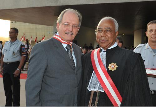 Ex-presidente do TRT recebe comenda do TST (imagem 1)