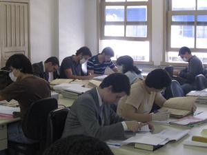 Alunos da UFMG fazem atividade no Laboratório de Práticas Trabalhistas (imagem 1)