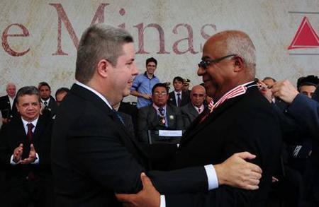Ministro Reis de Paula é agraciado com Medalha do Dia do Estado de Minas Gerais (imagem 1)