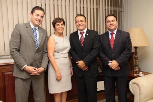 Parlamentares do PT visitam o TRT-MG (imagem 1)