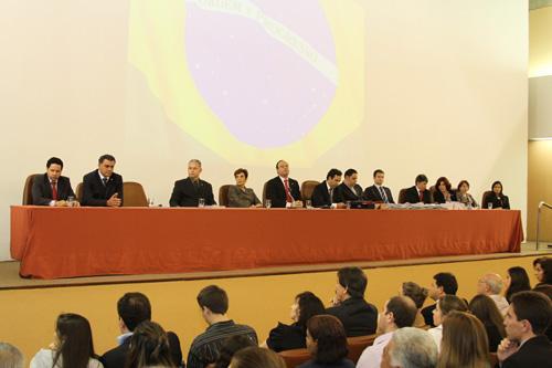 Novos advogados recebem carteira da OAB e orientações sobre conciliação (imagem 2)