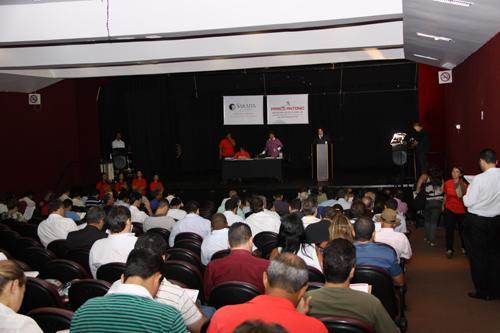Leilão do TRT-MG lota teatro do Minascentro (imagem 3)