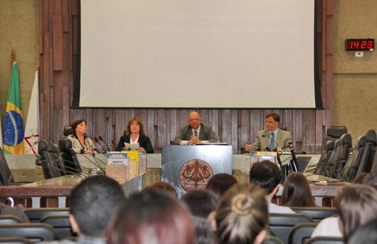 TRT-MG comemora com palestra o Dia do Estagiário (imagem 2)