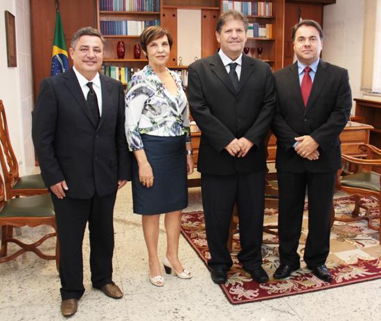 TRT-MG recebe visita de Zezé Perrella (imagem 1)