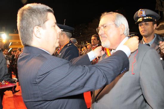 Desembargador recebe homenagem do Corpo de Bombeiros (imagem 1)