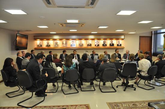 Presidente do TST e lideranças dos TRTs realizam reunião sobre metas de 2012 (imagem 1)