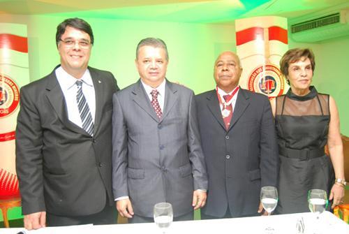 Ministro Reis de Paula é homenageado pela Amagis (imagem 1)