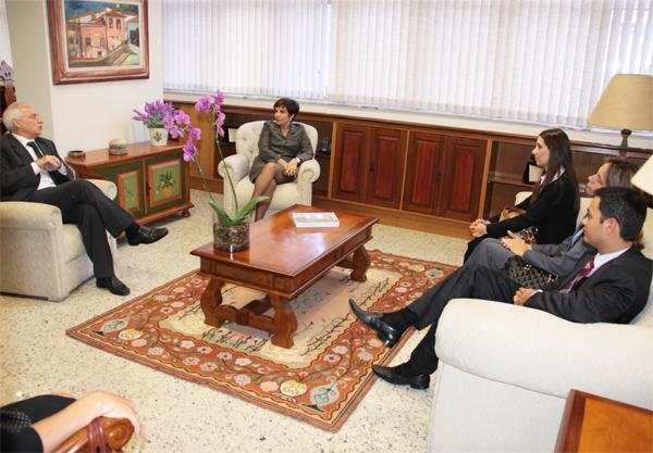 Presidente do TRT recebe visita de cortesia da Oi Telefonia (imagem 1)