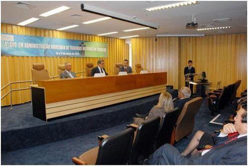 Dirigentes participam de Curso de Formação Continuada em Administração Judiciária de Tribunais Regionais do Trabalho (imagem 1)