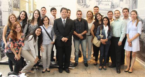 Visita de estudantes da PUC ao TRT busca integração de teoria e prática para a formação (imagem 1)