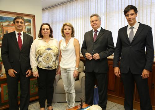 Caixa faz visita à nova presidente (imagem 1)