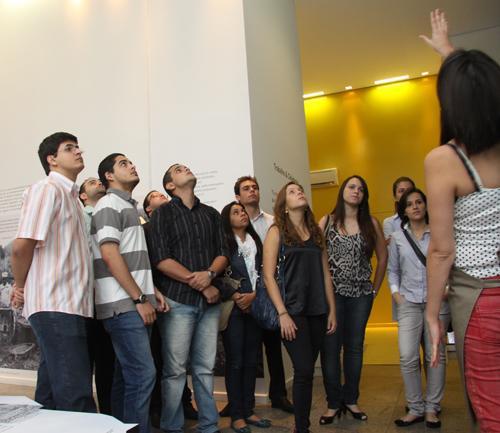 Visita de estudantes da PUC ao TRT busca integração de teoria e prática para a formação (imagem 3)