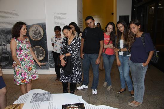 Estudantes da UFMG visitam a Exposição Trabalho & Cidadania (imagem 1)