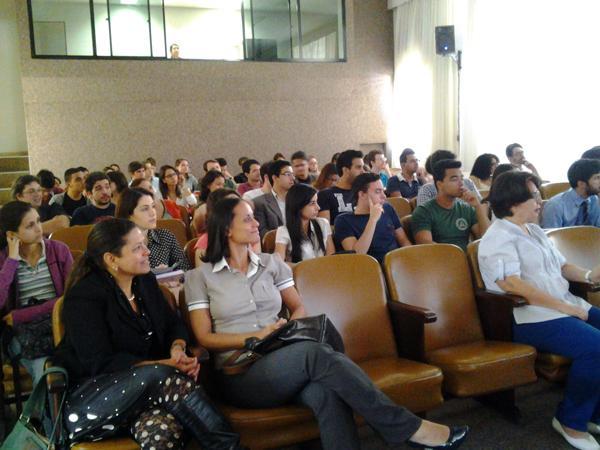 Estudantes da UFMG participam de atividades judiciais no Laboratório do TRT (imagem 1)