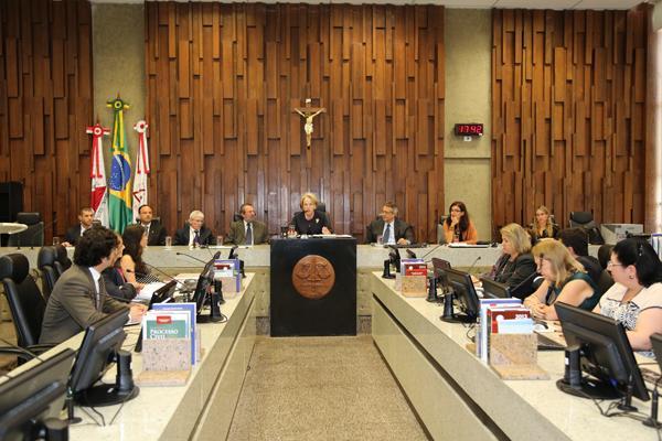 Projeto Leis & Letras promove homenagem ao Professor Carlos Augusto Junqueira Henrique (imagem 1)