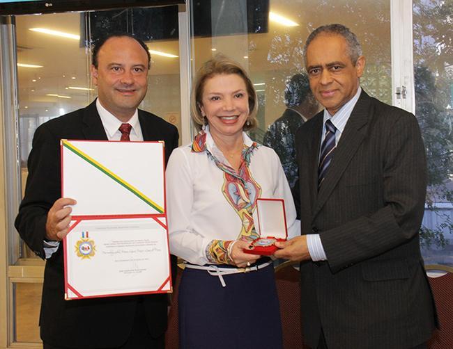 Presidente do TRT-MG recebe maior honraria da OAB-MG (imagem 1)