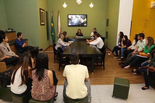Alunos da Newton Paiva assistem sessão da SDI (imagem 2)