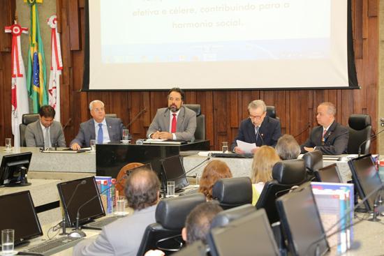 Juiz Vitor Salino toma posse na Academia Brasileira de Direito do Trabalho (imagem 1)