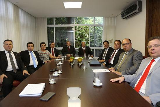 Presidente do TRT3 visita OAB/MG e recebe apoio contra corte orçamentário (imagem 1)