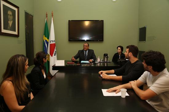 Universitários da PUC Minas visitam a Exposição Trabalho & Cidadania do TRT3 (imagem 1)