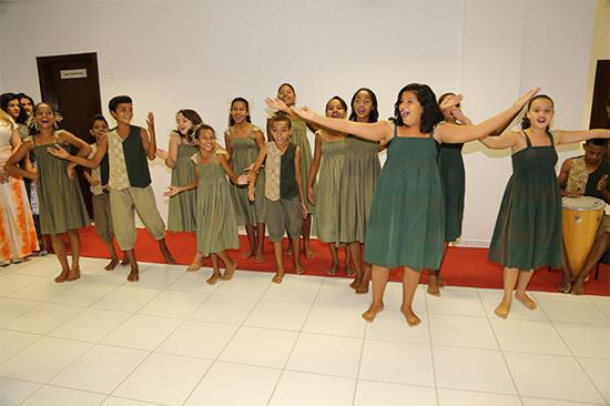 Jovens artistas marcam entrega da nova sede da Vara de Trabalho em Araçuaí (imagem 1)