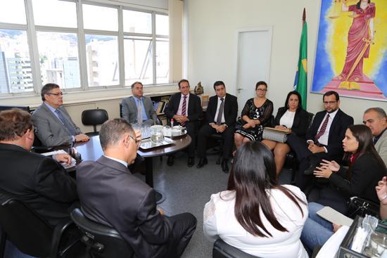 Vice-corregedor recebe representantes da cidade de Coronel Fabriciano (imagem 1)