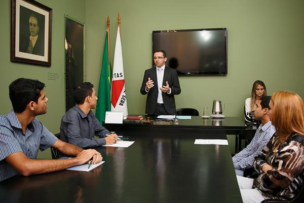 Alunos da PUC Betim visitam TRT pelo Programa Justiça e Cidadania (imagem 1)