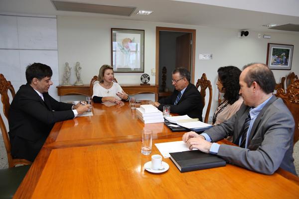 Presidente do TRT3 recebe representantes do Banco do Brasil (imagem 1)