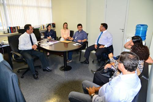 Reunião discute organização do 2º Seminário sobre Saúde e Segurança do Trabalho Rural (imagem 1)