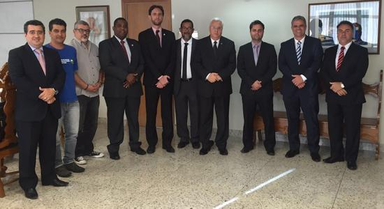 Entidades visitam presidente do TRT-MG para prestar solidariedade frente ao corte orçamentário (imagem 1)