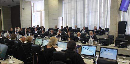 Primeiro Pleno do ano aprova voto de pesar pelo falecimento do ministro Teori Zavascki (imagem 2)