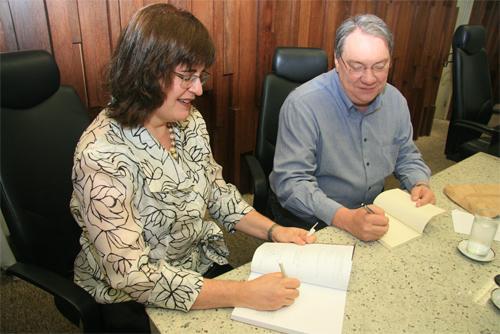 Mônica Sette Lopes e Jairo Vianna lançam obras no TRT (imagem 1)