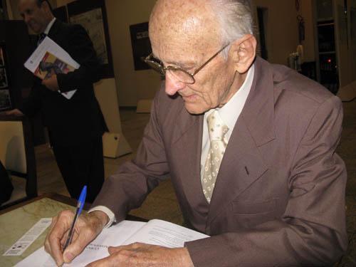 Leis & Letras lança obras de três juristas do TRT-MG com palestra do Prof. Antônio Álvares (imagem 2)