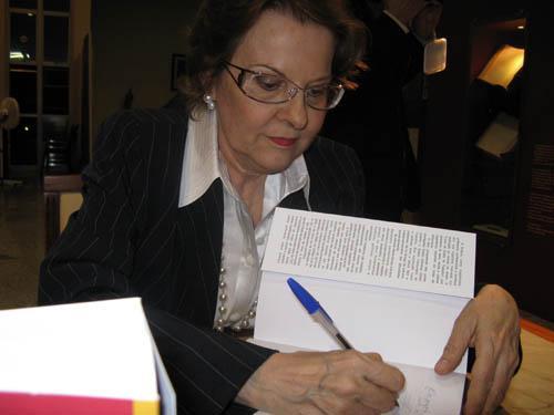 Leis & Letras lança obras de três juristas do TRT-MG com palestra do Prof. Antônio Álvares (imagem 1)
