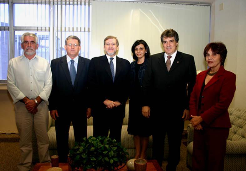 Deputado e prefeitos do Pontal do Triângulo visitam TRT (imagem 1)