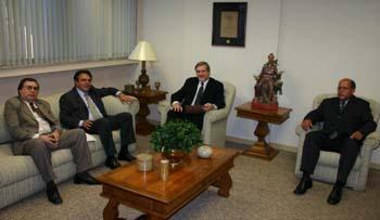 Presidente do TRT recebe Secretário-Geral e Conselheiros da OAB MG (imagem 1)