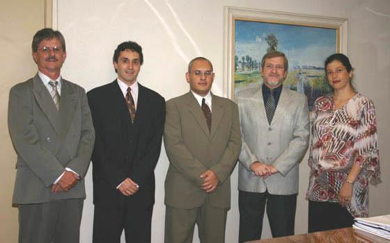 Juiz Antônio Miranda de Mendonça, Juiz Leonardo Passos Ferreira, Juiz Luiz Cláudio dos Santos Viana, Juiz Márcio Ribeiro do Valle, Presidente do TRT e Juíza Jacqueline Prado Casagrande