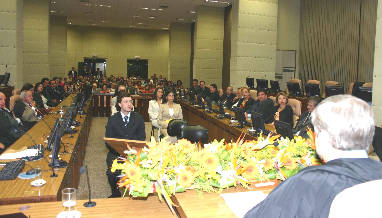 Novos juízes substitutos tomam posse no TRT (imagem 1)