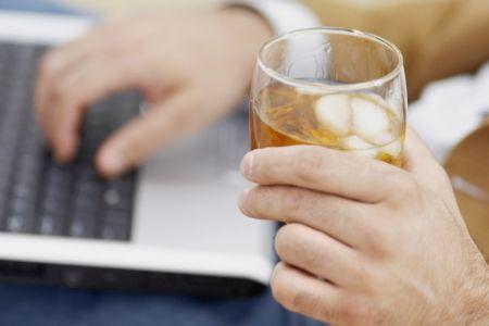 NJ ESPECIAL - Alcoolismo e embriaguez do empregado em serviço: como a JT de Minas tem tratado a questão. (imagem 2)